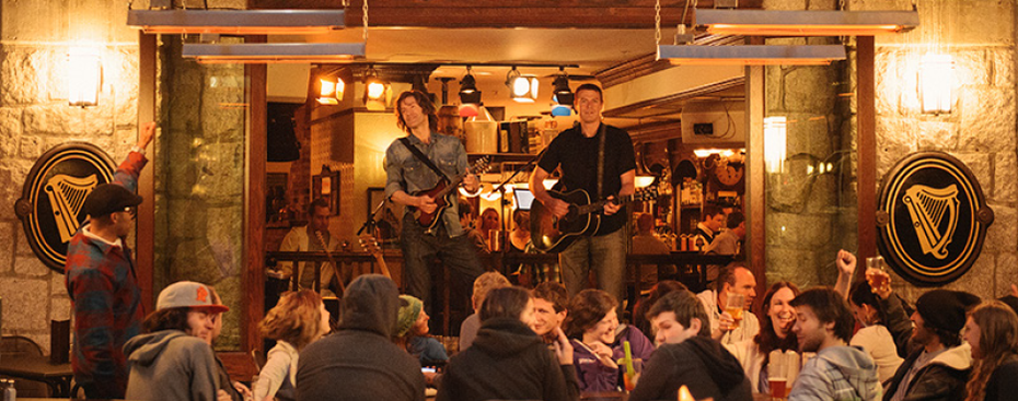 Live music at the Dubh Linn Gate Pub